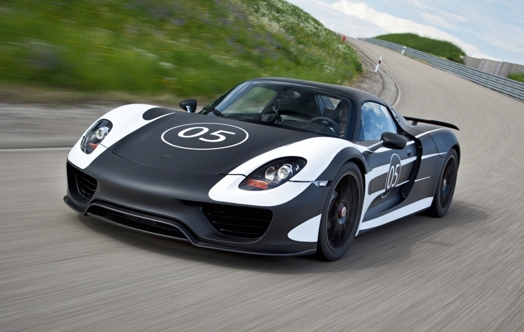 Porsche 918 Spyder Testing Progressing Well